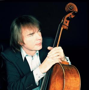 Julian Lloyd Webber Available for all usage when credited to Simon Fowler